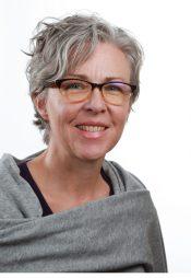 Portrait of Dr. Kellie Thiessen.