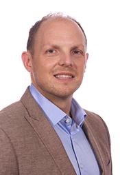 Portrait of Dr. Jason Kindrachuk.